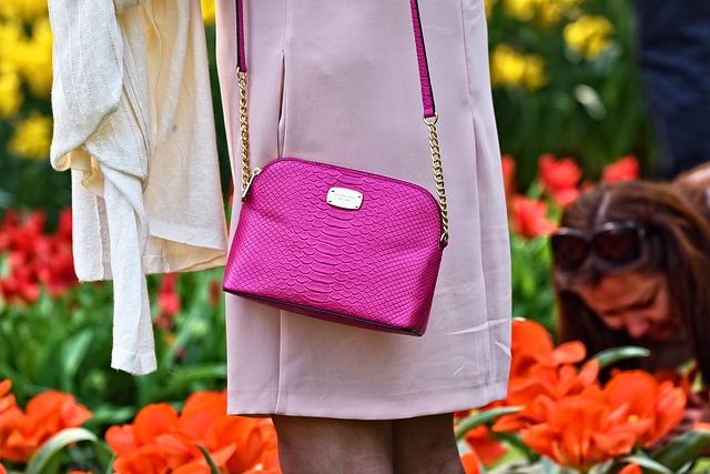 růžová kabelka.jpg