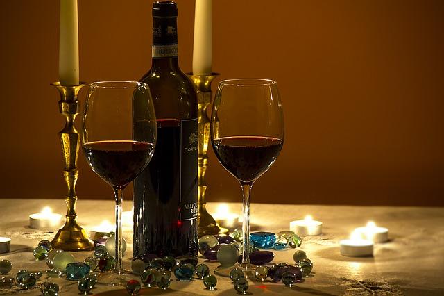číše s vínem